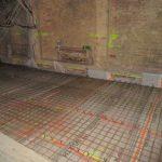 Dachgeschoßausbau - Bewehrung und Verbundschrauben für die Holz-Beton-Verbunddecke